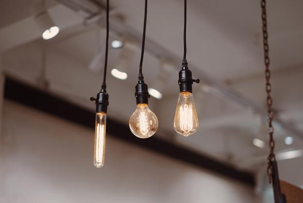 Hvordan vælger man den rigtige E14 LED pære?