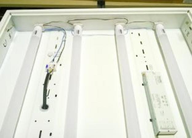Come ricablare una plafoniera  4x TL D / T8 18W 60x60