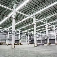 nachhaltige Hallenbeleuchtung