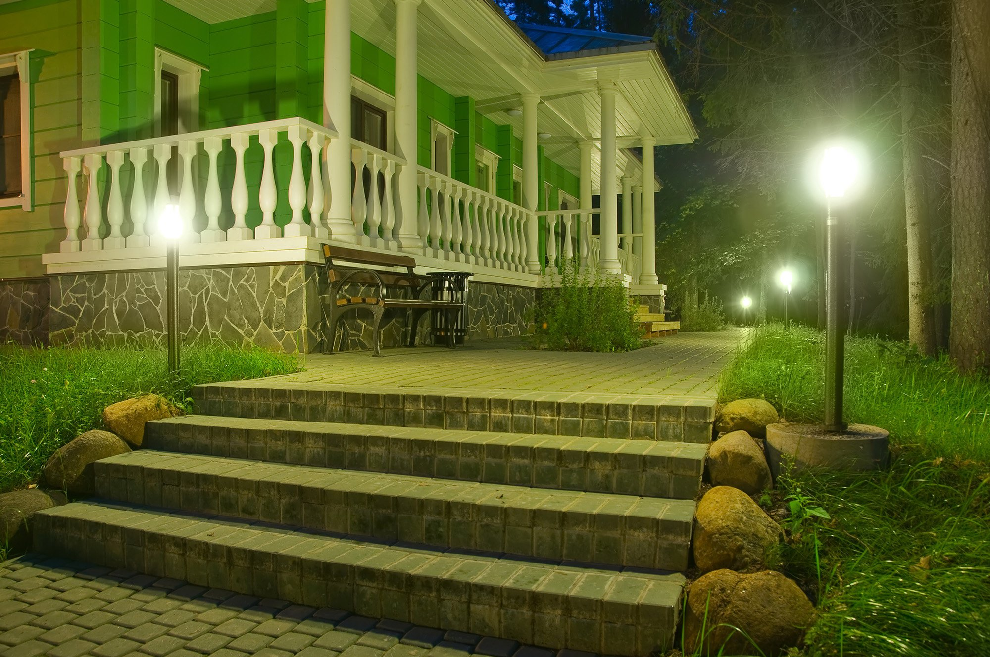 outdoor stairs lighting